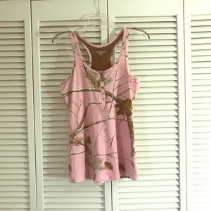 Pink camo realtree fitted tank top